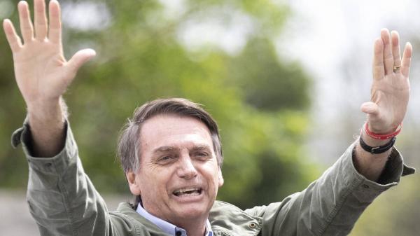 Bolsonaro dará primeira entrevista hoje para a RecordTV às 19h