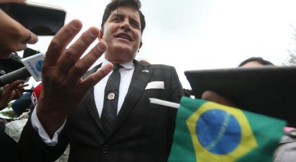 Dr. Rey vai à casa de Bolsonaro se oferecer para ser ministro da Saúde