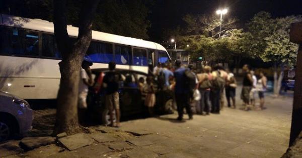 Ônibus da Prefeitura de Jacobina que levava pacientes do TFD é assaltado em Feira de Santana