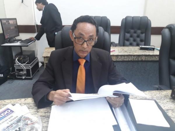 Vereador pede substituição do líder do governo na Câmara Municipal em Feira