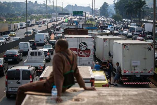 No 9º dia de greve, caminhoneiros seguem com protestos em rodovias baianas