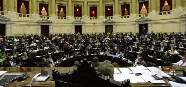 Deputados argentinos aprovam legalização do aborto