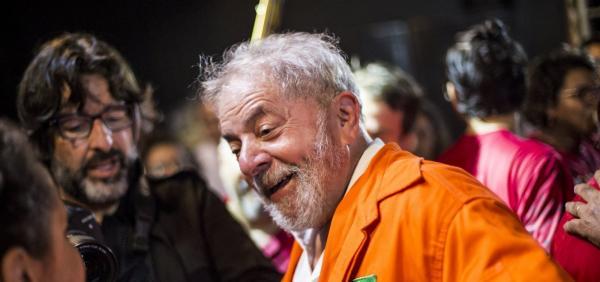 Lula critica desempenho do Brasil na estreia na Copa do Mundo: 'Não jogamos bem'