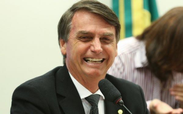 Áudio em que Bolsonaro supostamente ofende enfermeiras de hospital é falso