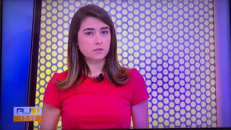 Repórter desmaia ao vivo enquanto fazia entrevista